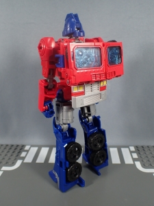 Transformers Generations Power of the Primes Leader Evolution Optimus Prime Orion Pax (12)