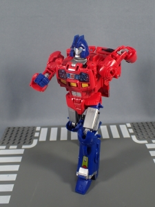 Transformers Generations Power of the Primes Leader Evolution Optimus Prime Orion Pax (17)