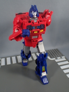 Transformers Generations Power of the Primes Leader Evolution Optimus Prime Orion Pax (18)