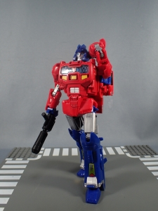 Transformers Generations Power of the Primes Leader Evolution Optimus Prime Orion Pax (23)