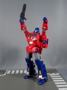 Transformers Generations Power of the Primes Leader Evolution Optimus Prime Orion Pax (25)