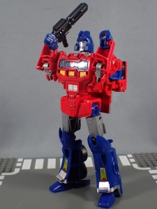 Transformers Generations Power of the Primes Leader Evolution Optimus Prime Orion Pax (28)
