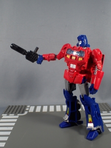 Transformers Generations Power of the Primes Leader Evolution Optimus Prime Orion Pax (26)