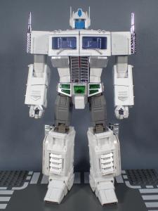 トランスフォーマー マスターピース MP-711 サイバトロン総司令官 コンボイ (セブン-イレブン限定)ロボットモード (8)