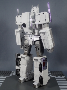 トランスフォーマー マスターピース MP-711 サイバトロン総司令官 コンボイ (セブン-イレブン限定)ロボットモード (10)