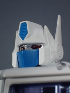 トランスフォーマー マスターピース MP-711 サイバトロン総司令官 コンボイ (セブン-イレブン限定)ロボットモード (13)