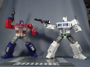 トランスフォーマー マスターピース MP-711 サイバトロン総司令官 コンボイ (セブン-イレブン限定)ロボットモード (17)