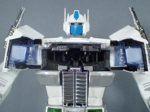 トランスフォーマー マスターピース MP-711 サイバトロン総司令官 コンボイ (セブン-イレブン限定)ロボットモード (25)