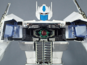 トランスフォーマー マスターピース MP-711 サイバトロン総司令官 コンボイ (セブン-イレブン限定)ロボットモード (26)