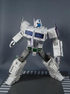 トランスフォーマー マスターピース MP-711 サイバトロン総司令官 コンボイ (セブン-イレブン限定)ロボットモード (29)