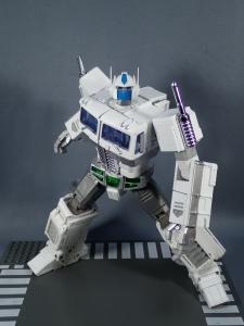 トランスフォーマー マスターピース MP-711 サイバトロン総司令官 コンボイ (セブン-イレブン限定)ロボットモード (30)