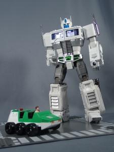 トランスフォーマー マスターピース MP-711 サイバトロン総司令官 コンボイ (セブン-イレブン限定)ロボットモード (28)
