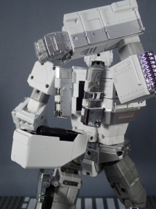 トランスフォーマー マスターピース MP-711 サイバトロン総司令官 コンボイ (セブン-イレブン限定)ロボットモード (32)