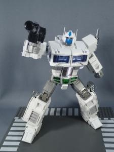 トランスフォーマー マスターピース MP-711 サイバトロン総司令官 コンボイ (セブン-イレブン限定)ロボットモード (33)