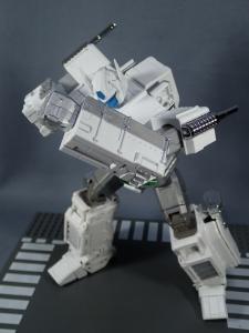 トランスフォーマー マスターピース MP-711 サイバトロン総司令官 コンボイ (セブン-イレブン限定)ロボットモード (31)