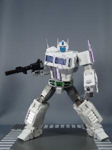 トランスフォーマー マスターピース MP-711 サイバトロン総司令官 コンボイ (セブン-イレブン限定)ロボットモード (34)