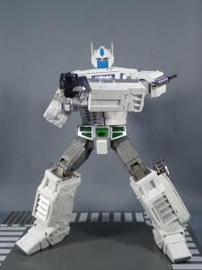 トランスフォーマー マスターピース MP-711 サイバトロン総司令官 コンボイ (セブン-イレブン限定)ロボットモード (36)
