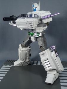 トランスフォーマー マスターピース MP-711 サイバトロン総司令官 コンボイ (セブン-イレブン限定)ロボットモード (38)