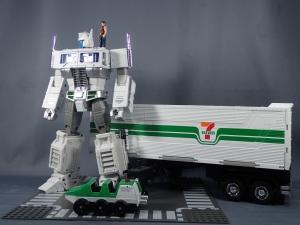トランスフォーマー マスターピース MP-711 サイバトロン総司令官 コンボイ (セブン-イレブン限定)ロボットモード (44)