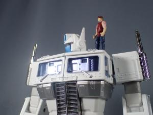 トランスフォーマー マスターピース MP-711 サイバトロン総司令官 コンボイ (セブン-イレブン限定)ロボットモード (45)