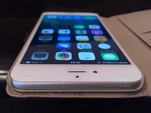 iPhone 6 Plusが傷モノに…