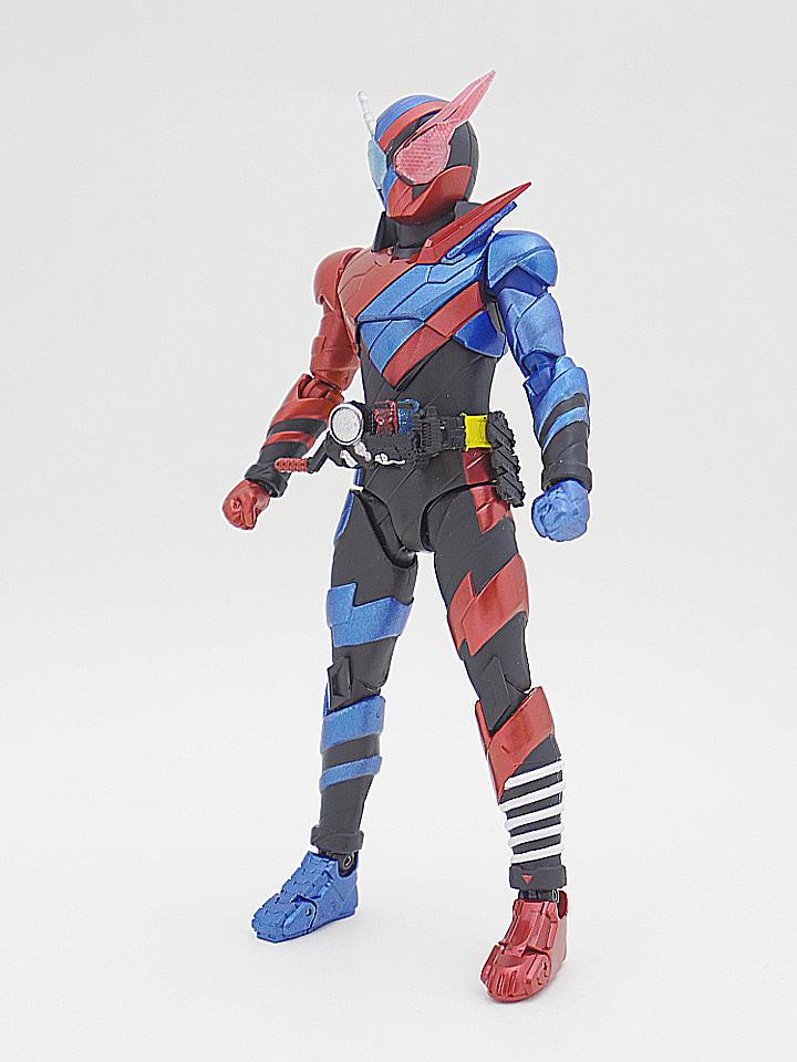 SHF 仮面ライダービルド ラビットタンク2