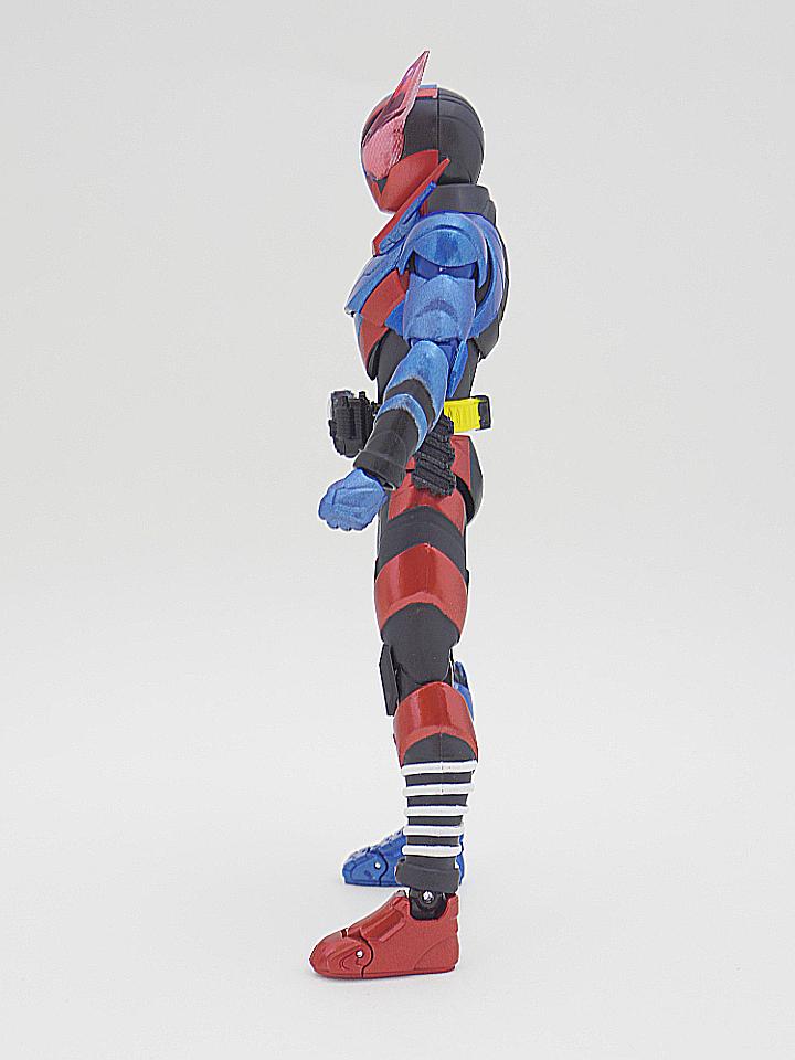 SHF 仮面ライダービルド ラビットタンク3