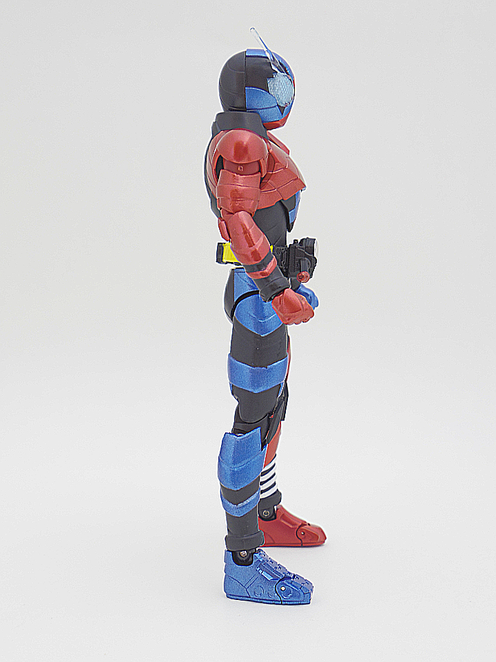 SHF 仮面ライダービルド ラビットタンク7