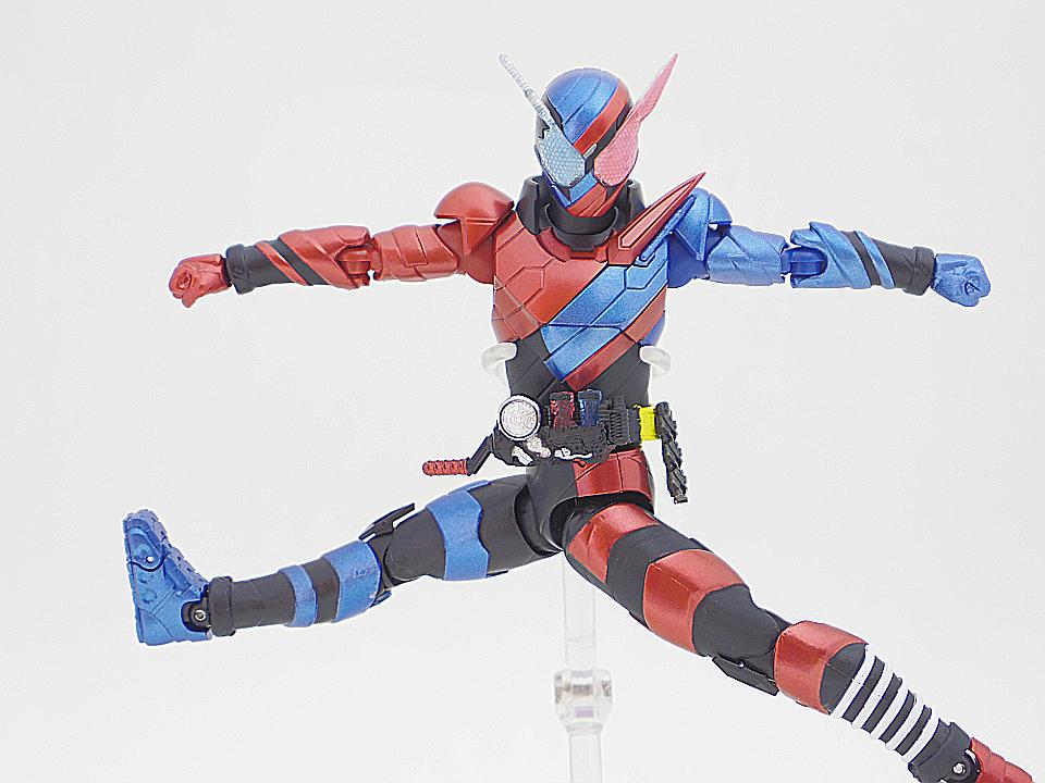 SHF 仮面ライダービルド ラビットタンク39