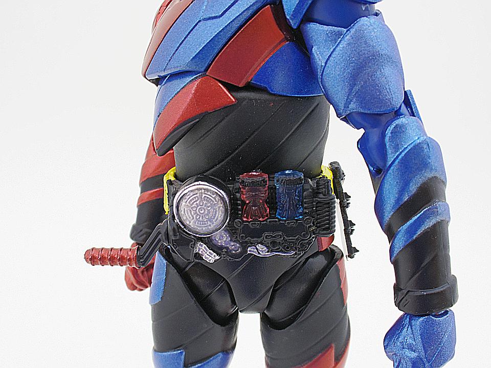 SHF 仮面ライダービルド ラビットタンク41
