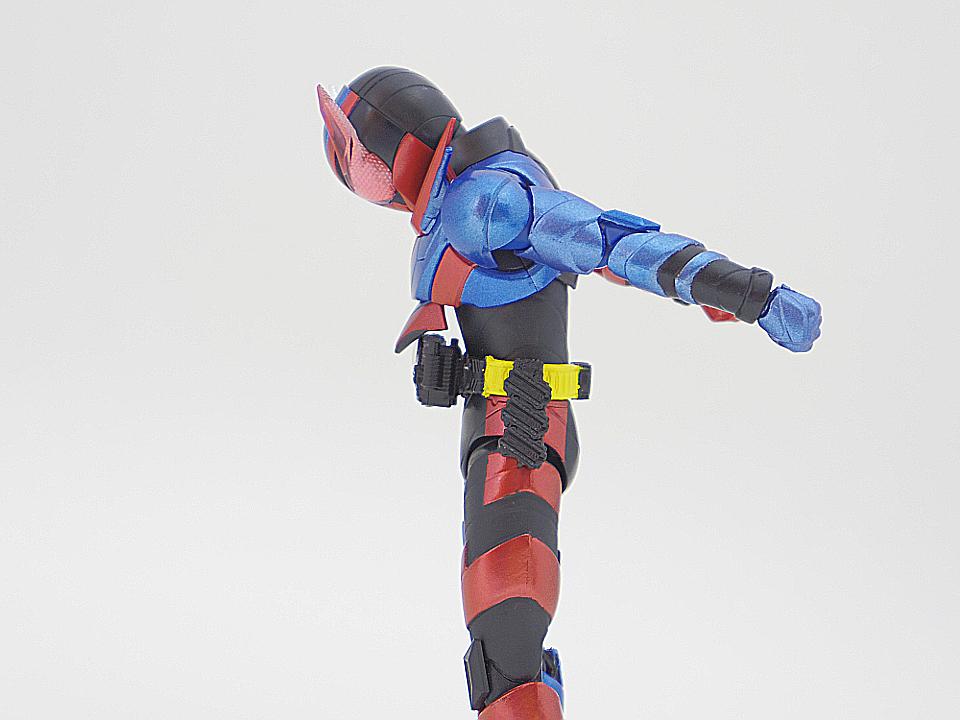 SHF 仮面ライダービルド ラビットタンク44