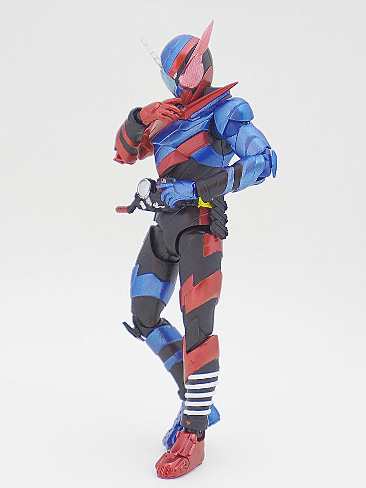 SHF 仮面ライダービルド ラビットタンク48