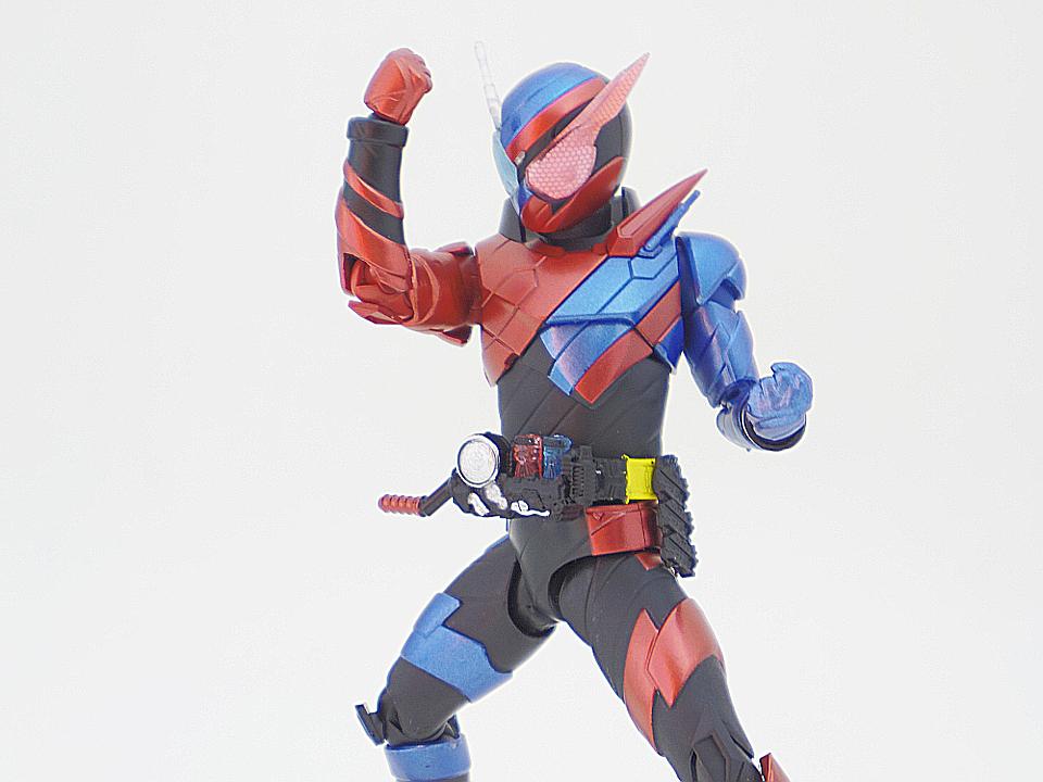 SHF 仮面ライダービルド ラビットタンク51