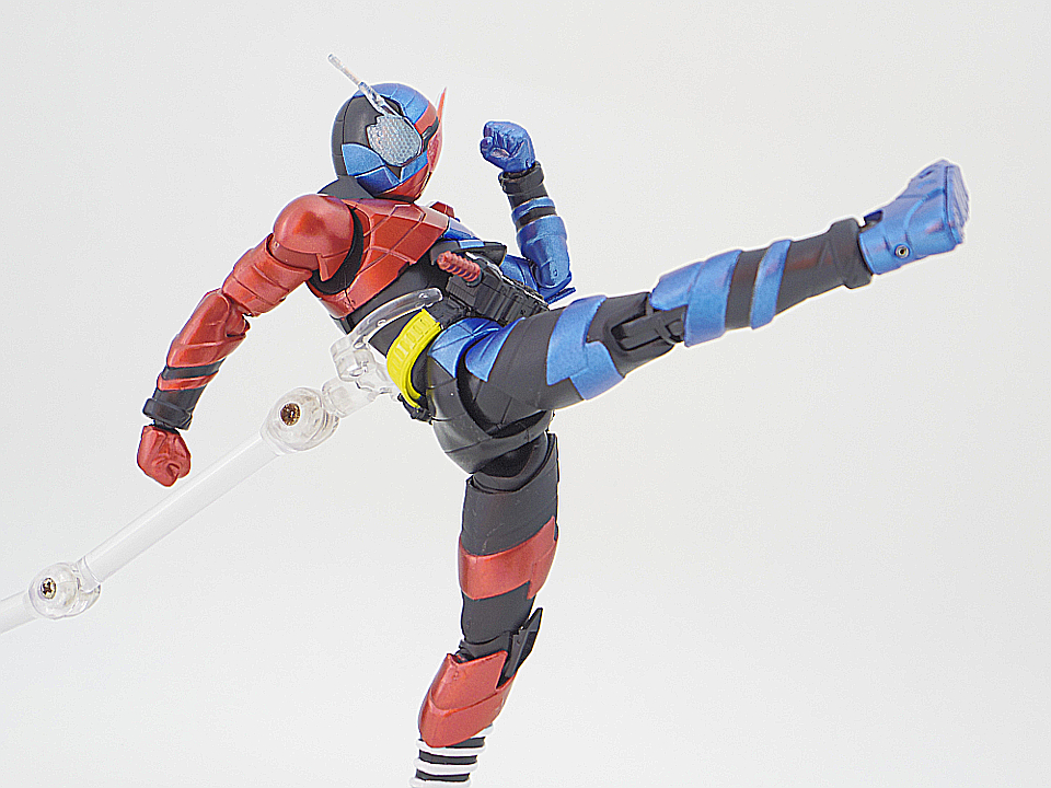 SHF 仮面ライダービルド ラビットタンク53