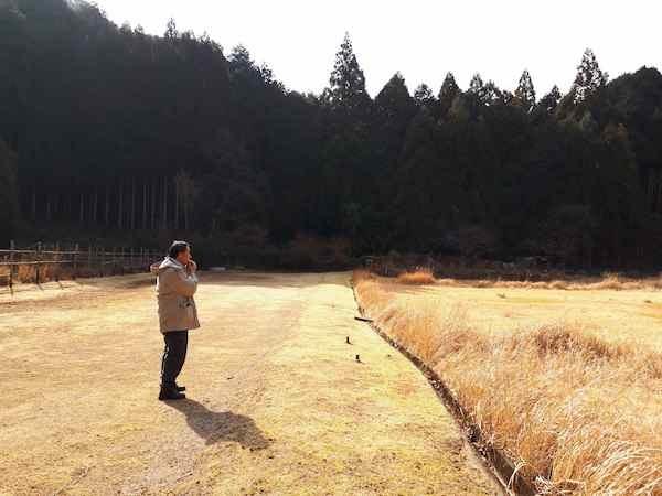 石笛を吹く永井さん