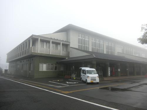 島原体育館も霧が・・・、