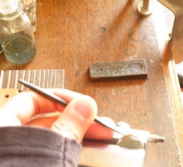 リングに彫る練習 彫金教室 (3)