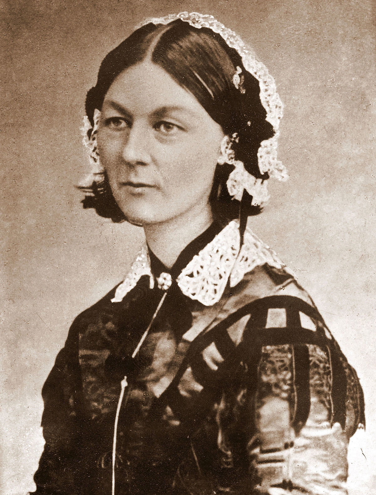 1200px-Florence_Nightingale_CDV_by_H_Lenthall.jpg