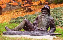 Irvington_statue_of_Rip_van_Winkle.jpg