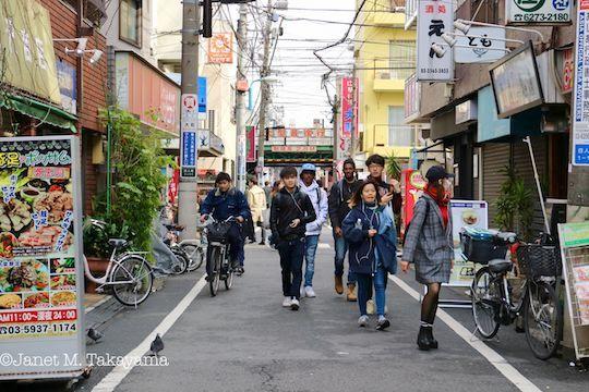 hyakunincho2.jpg