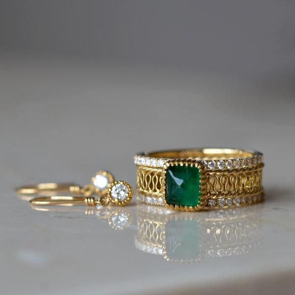 K18YG製イエローゴールドエメラルドシュガーローフカットリング指輪ダイアモンドハーフエタニティリングダイアモンドピアス