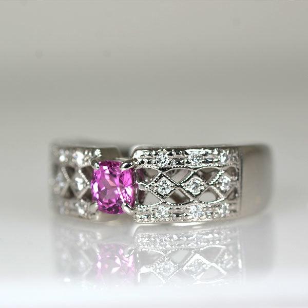 Pt900製ピンクサファイアダイアモンドリング指輪