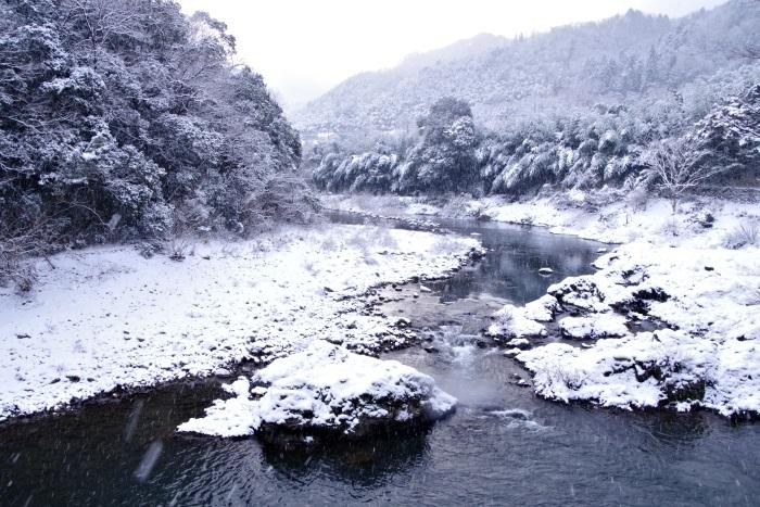 いざ、雪の長門峡