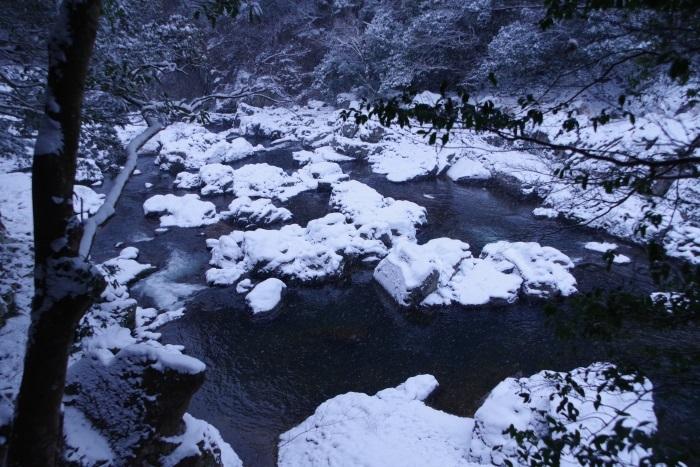 雪化粧長門峡