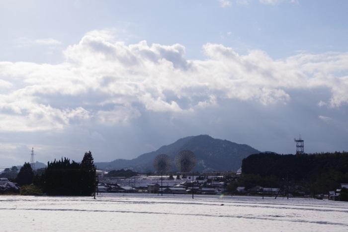 雪景色とパロボナアンテナ