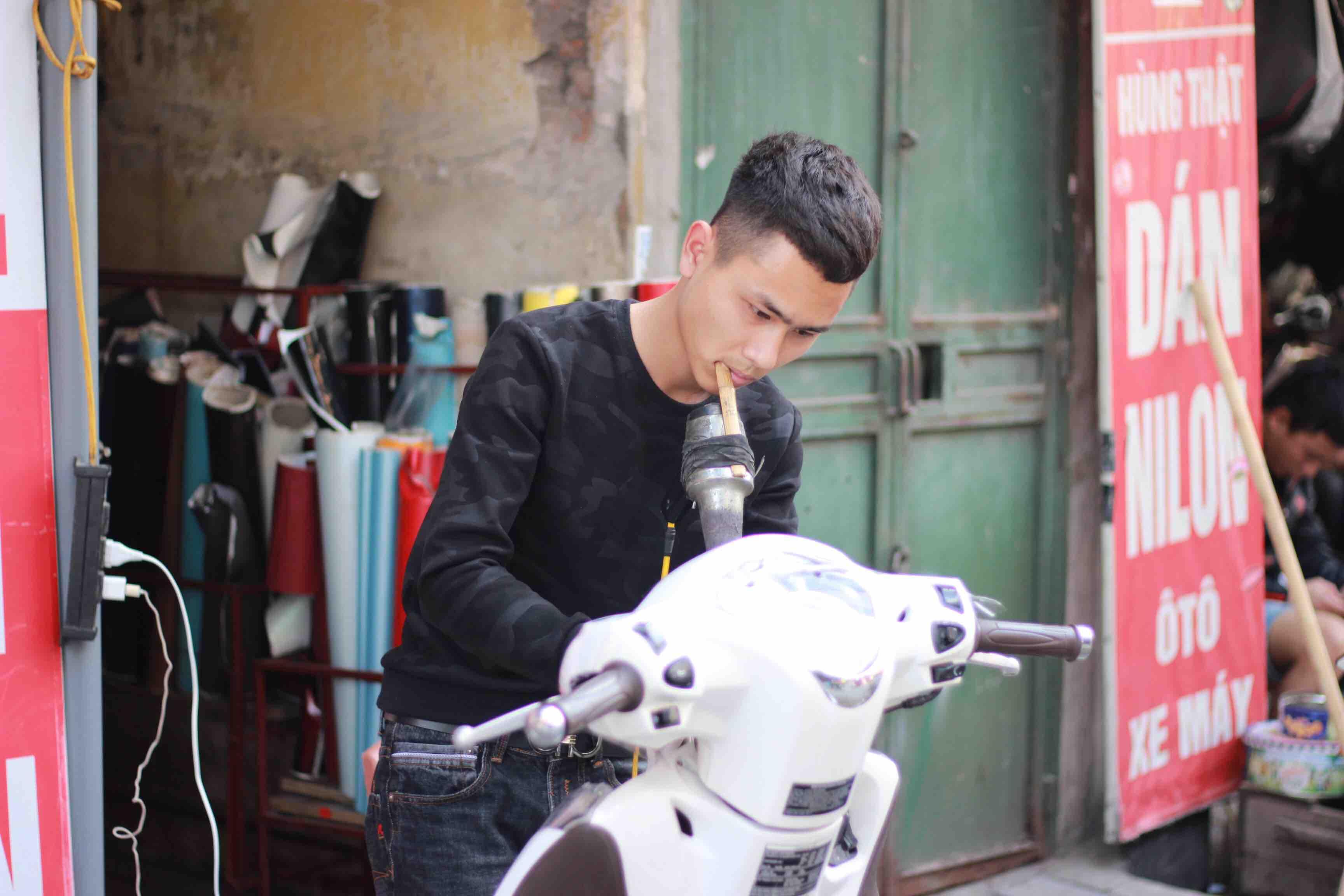 ハノイ バイクラッピング屋