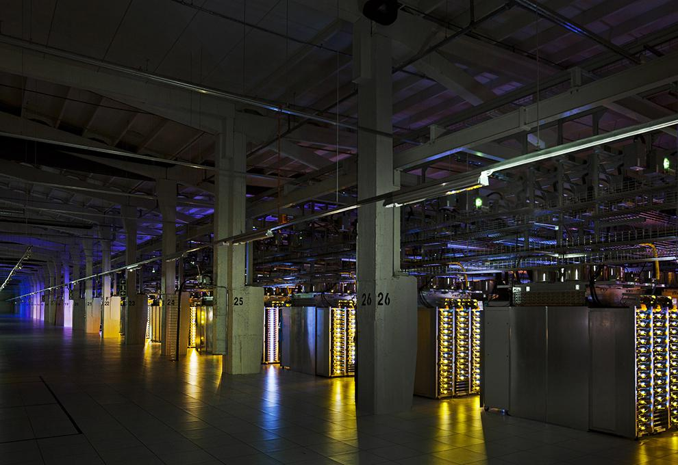 picture_tcp_a_google_data_center_tour__tcp_blog_large.jpg