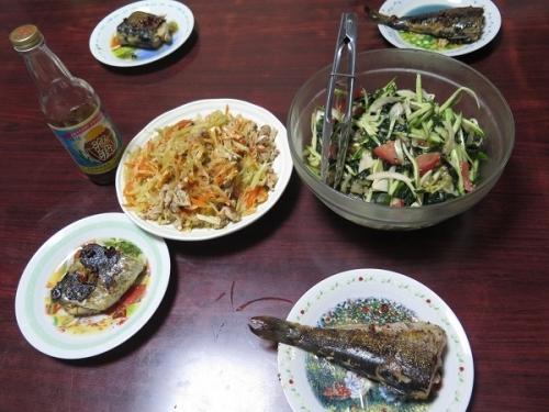 パパイヤチャンプルー、ニシンの三五八漬け、中華クラゲのサラダ