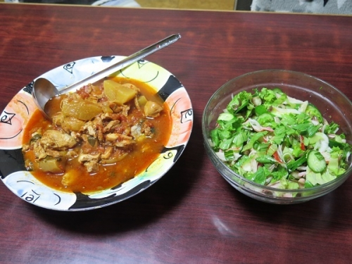 塩サバと鶏肉のトマト煮、チューハイ