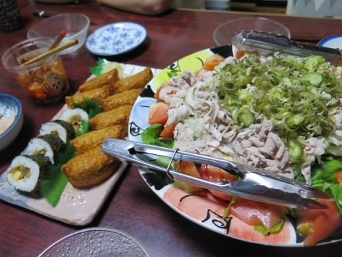 冷しゃぶサラダ、助六寿司